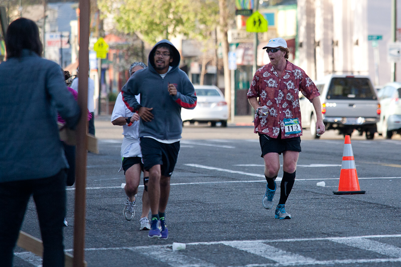Hawaiian Shirt Guy at the Oakland Marathon 2013