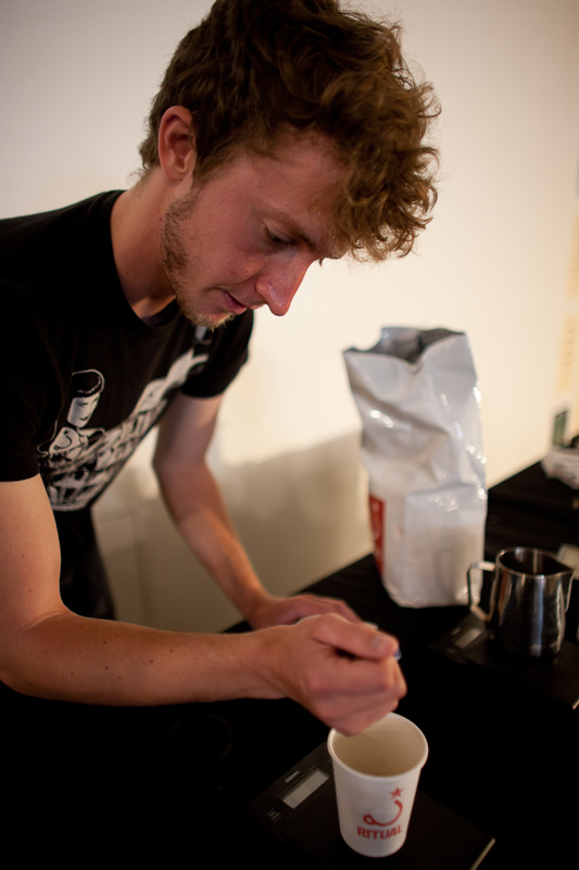 chris does a ritual roasters aeropress demo
