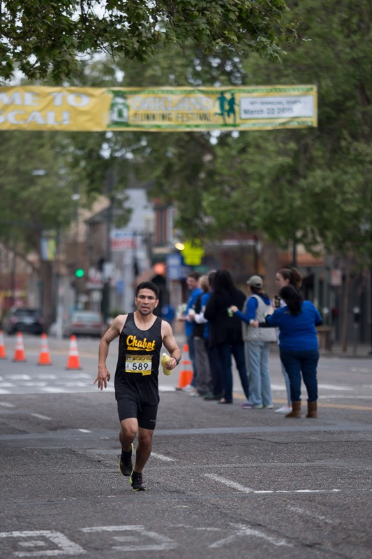 Ivan Medina at the 2015 Oakland Marathon